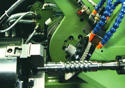 Worm screw cutting with HSS cutter or hard metal insert cutter