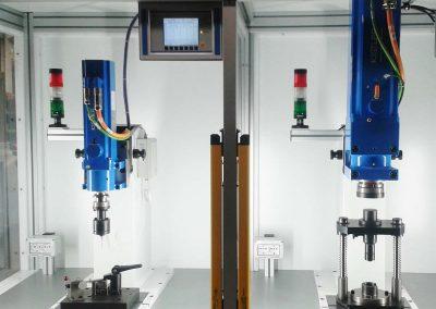 Zwei-Stationen-Pflanzbank mit elektromechanischen Pressen (10 kN und 30 kN)